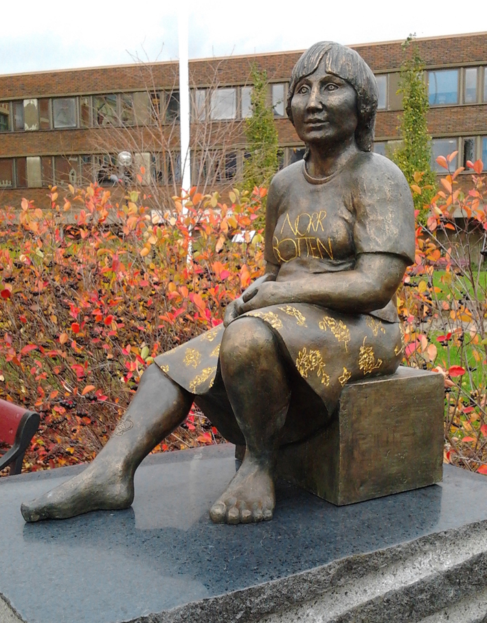 Norrbotten. Skulptur i brons på Torget i Haparanda